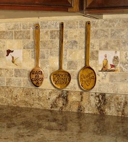 italian kitchen decor spoon wall decor set of 3 italian spoons with the phrases - Kitchen Decor Sets