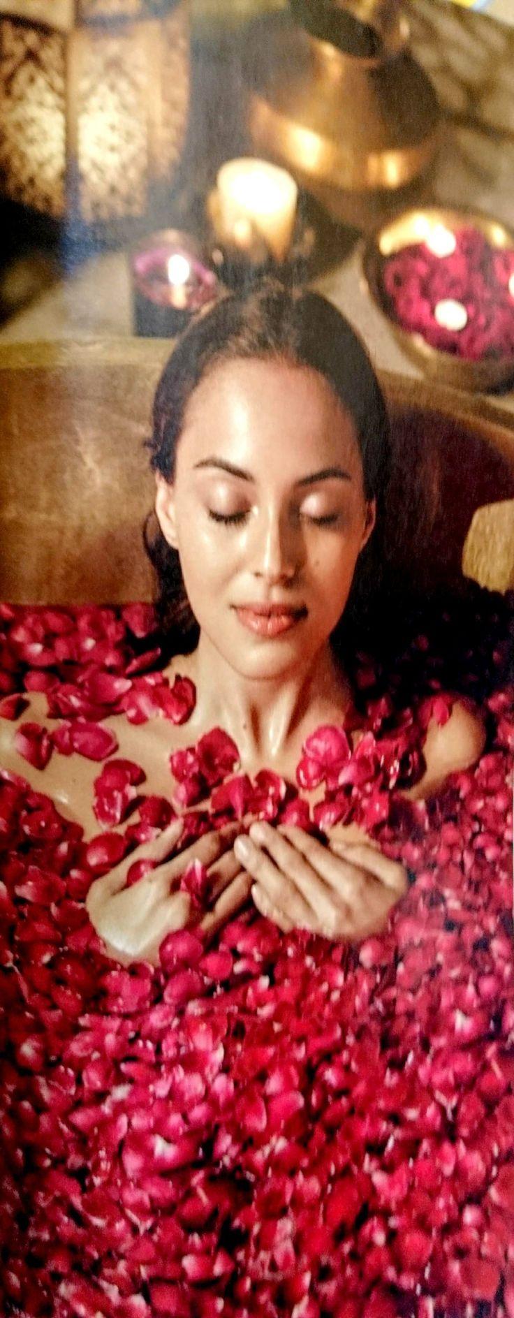 Baño 🛁 Tina PÉTALOS de rosa Relax