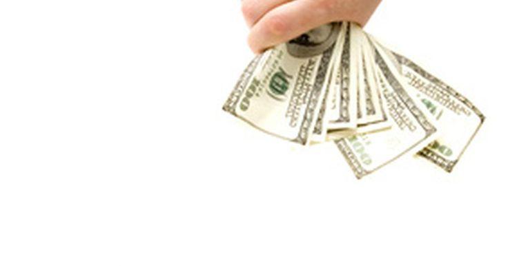 Los objetivos en un departamento de finanzas. Los departamentos de finanzas son una parte integral de una organización, proporcionan el combustible para mantenerlo en movimiento. Mediante la comunicación, gestionando el dinero de manera inteligente y manteniéndose informados sobre las oportunidades disponibles, el departamento de finanzas puede asegurar un flujo constante de fondos a la ...