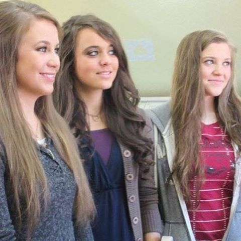 Some of the Duggar sisters☁️ 9•29•2016