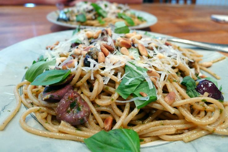 Culinary Adventures in London: Italian Sausage & Chilli Pesto Pasta