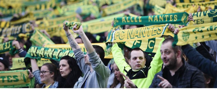 Cette 33e journée de Ligue 1 était placée sous le signe des débordements. Outre les incidents de Bastia, le derby de l'Atlantique entre Nantes et Bordeaux (0-1) a aussi eu le droit à son lot de bêtises. On jouait la 10e minute quand François Letexier, l'arbitre de la rencontre, a décidé d'arrêter la rencontre. Des fumigènes venaient d'être lancés à proximité de Cédric Carrasso, depuis la tribune Loire du Stade de la Beaujoire. Le sursis de la tribune ...