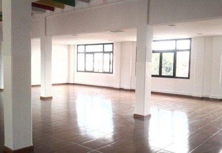 A louer local de 270m2 à usage bureau en plein centre ville de tananarive   Agence immobilière à Tananarive