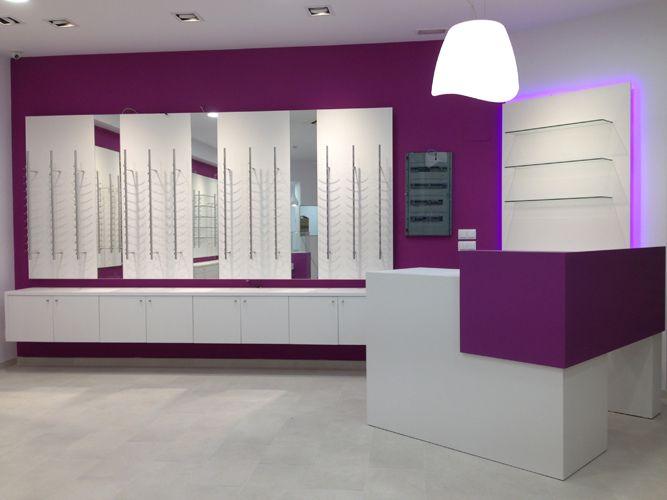 Reforma de Óptica en Málaga - J.C. Ópticos. El objetivo es unir el local al de farmacia, consiguiendo formas rectas, limpias y sencillas, para lo que partimos de cero.  http://goo.gl/VLte1m