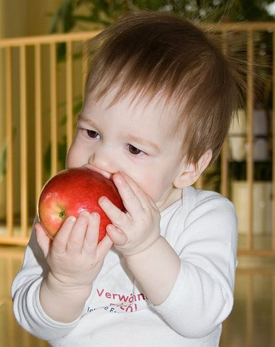 Kids / apple :D
