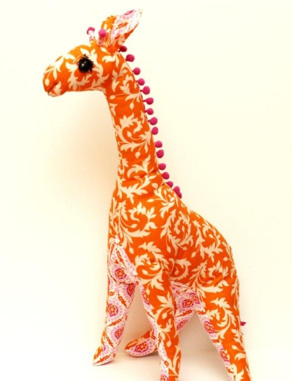 How-to: Stuffed giraffe (Vogue Pattern 8349)—Buy this to make for Savvy next time JoAnn's has a mega sale on patterns!