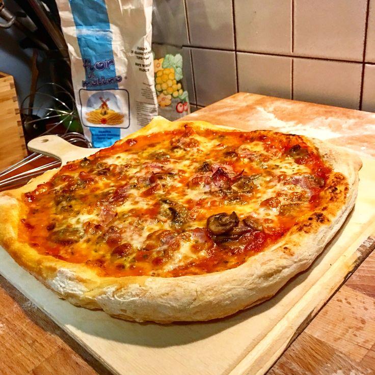 Pizza napoletana homemade  24 h di lievitazione