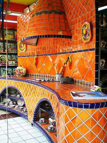 Sieht super aus: Küche mit Fliesen in Orange und Lila // Kitchen with tiles in orange and purple
