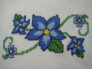 http://artjullysmi.blogspot.com.br/2011_07_01_archive.html