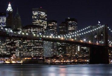 Vlies fotobehang Lichtjes Brooklyn Bridge - Steden en skyline behang | Muurmode.nl
