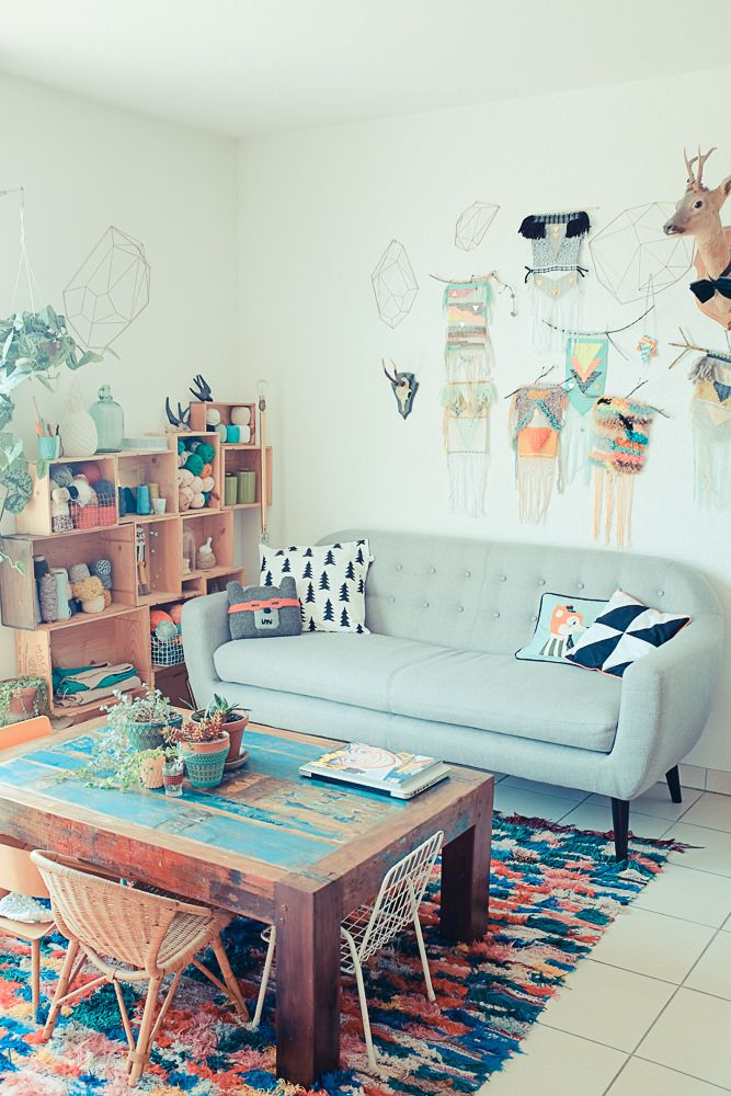 """déco salon  this is cute for the """"dinning room area that has to store my extra couch temp."""""""