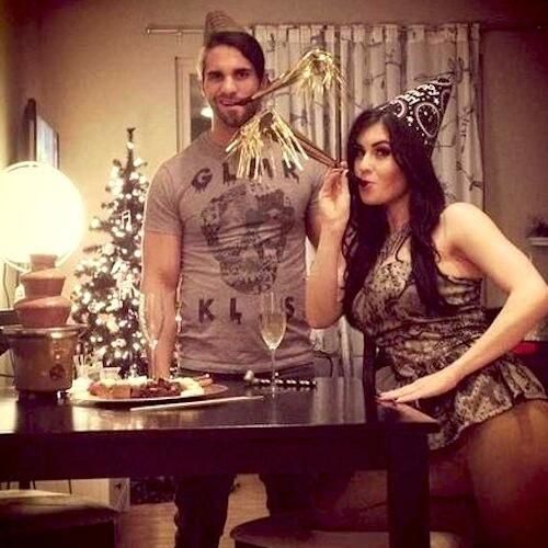 Seth Rollins got engaged to his girlfriend Leighla Schultz omg awesomeness congrats seth