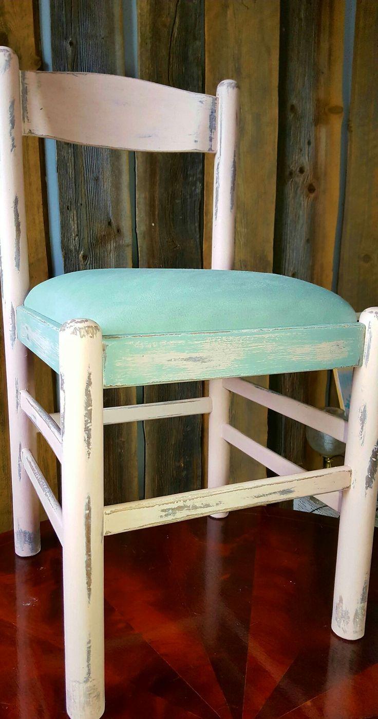Annie SloanAntoinette +Duck Egg Blue + clean wax....