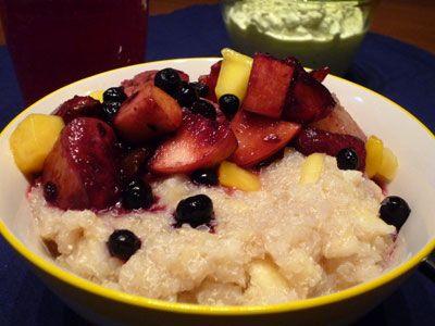 Quinoa porridge with apple and ginger