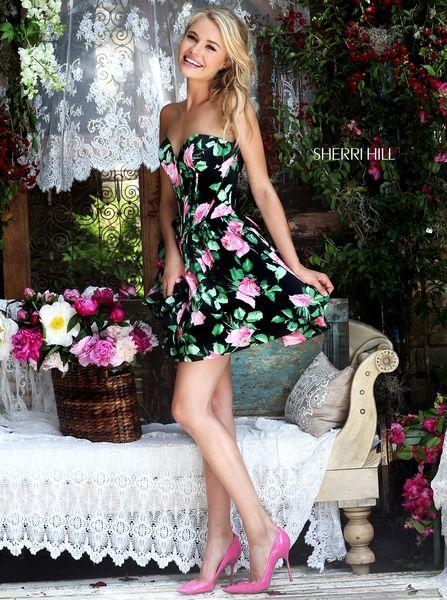 OUTFIT DEL DÍA: Look con vestido floreado y zapatos rosados