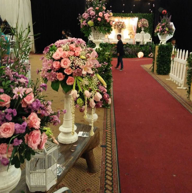 This is incredible! Unique work by  Charissa Event & Wedding Decoration http://www.bridestory.com/charissa-event-wedding-decoration/projects/annisa-fickri