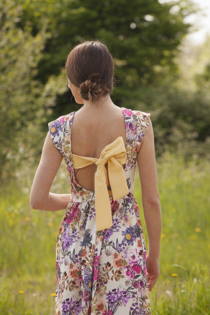 Vestido largo flores con escote y lazo en la espalda www.nuriaordiales.com