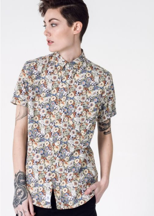 We love the washed out, vintage inspired floral print of this button up, adding a cheeky touch to your spring wardrobe.