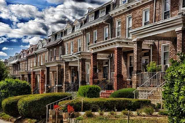 """Need to sell your house fast? We buy houses in DC and Virginia in as little as 7 days. If you're saying """" I need to sell my house fast!"""", we'd like to buy!"""
