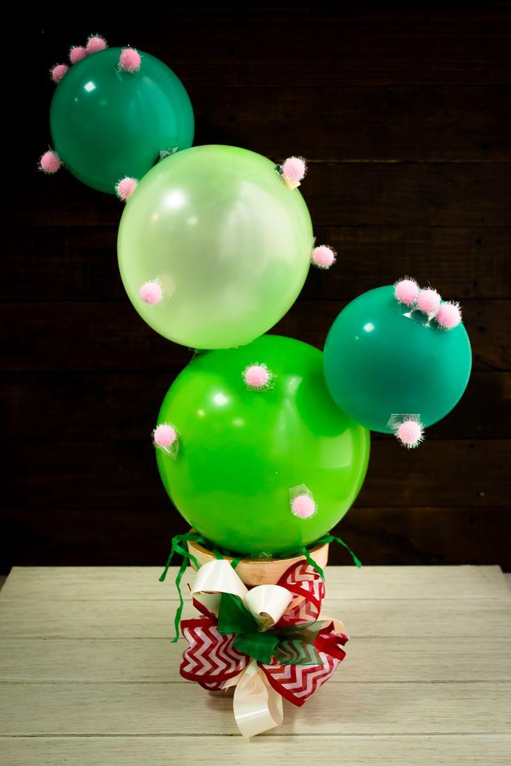 Decora tu casa con este arreglo de globos para fiestas patrias. Es muy sencillo y divertido de hacer. Le puedes dar la forma de cactus que quieras. Haz varios y ambienta tu fiesta de una forma original. Te aseguro que tus invitados quedarán sorprendidos y asombrados con la decoración.