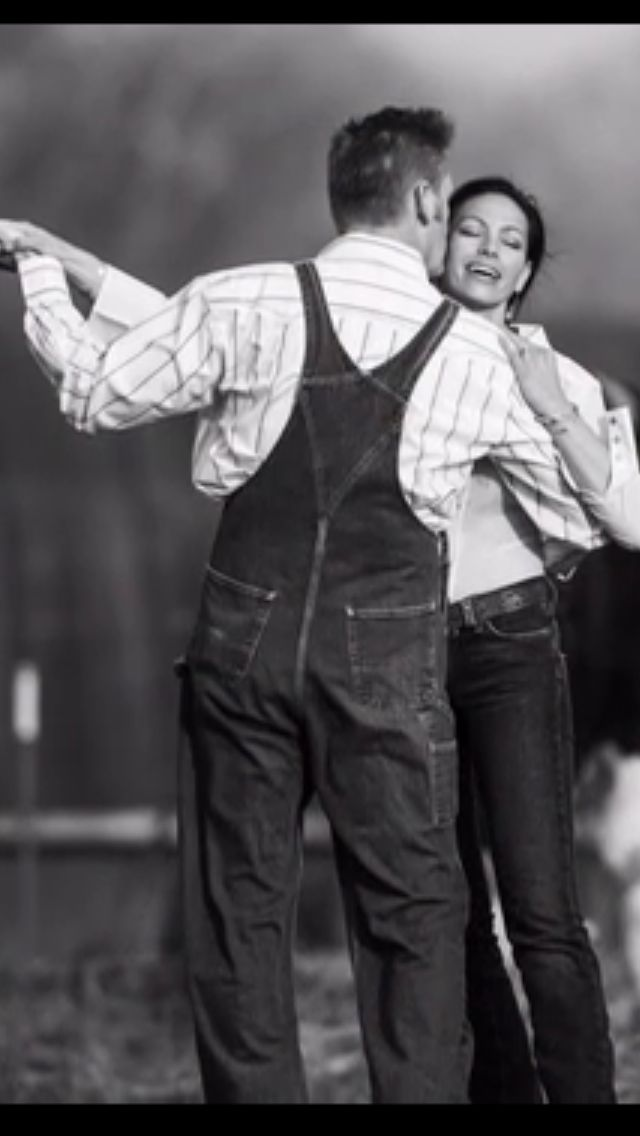 Joey and Rory dancing in LOVE