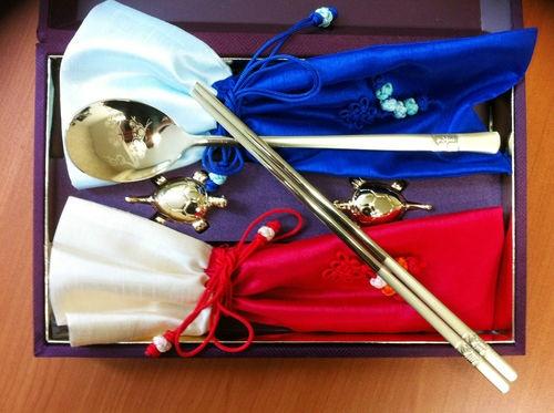 Korean Traditional Chopstick Spoon Set Silk Pocket Titanium Gold Box Gift Set | eBay $35.99
