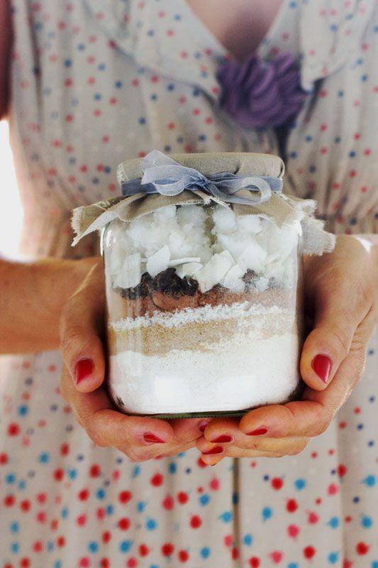Cookies in a jar {petits biscuits sans gluten à la noix de coco et au chocolat à offrir} (vegan) - Au Vert avec Lili