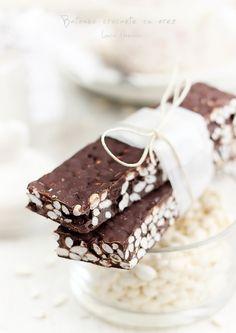 Batoane de ciocolata cu orez pentru micul dejun. Reteta simpla de batoane pentru cei mici. Batoane cu fulginatur de orez ingrediente si mod de preparare.