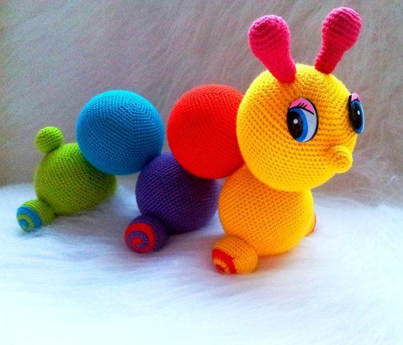Hey, diesen tollen Etsy-Artikel fand ich bei https://www.etsy.com/de/listing/171812299/worm-butterfly-colorful-crochet