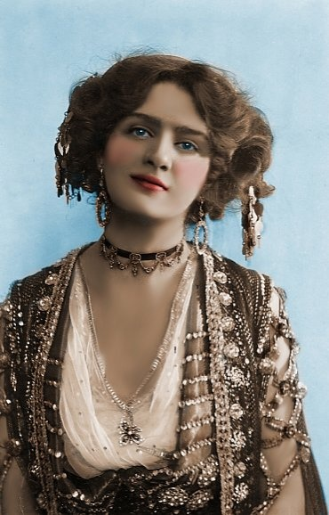 Edwardian Actress Lily Elsie...how did I never know about this person???