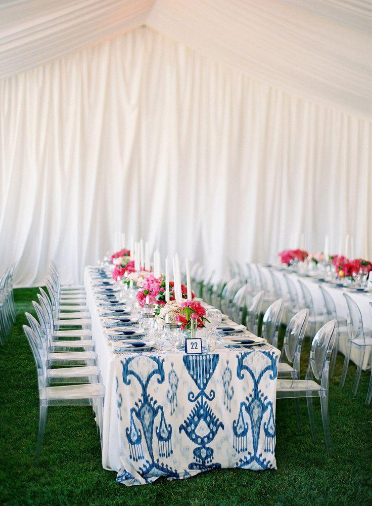 colourful tablecloths; photo José Villa