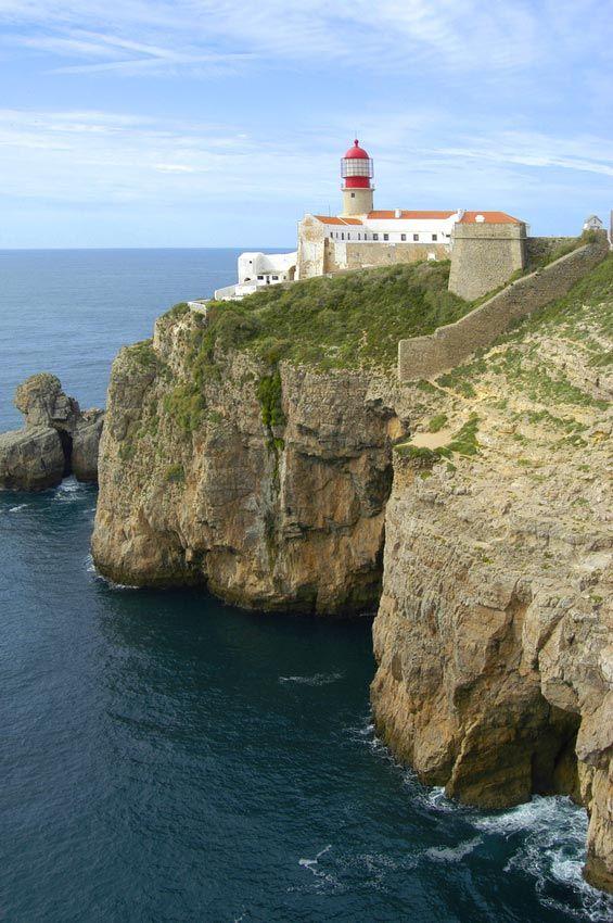 Faro de Cabo de San Vicente cerca de Sagres - Portugal