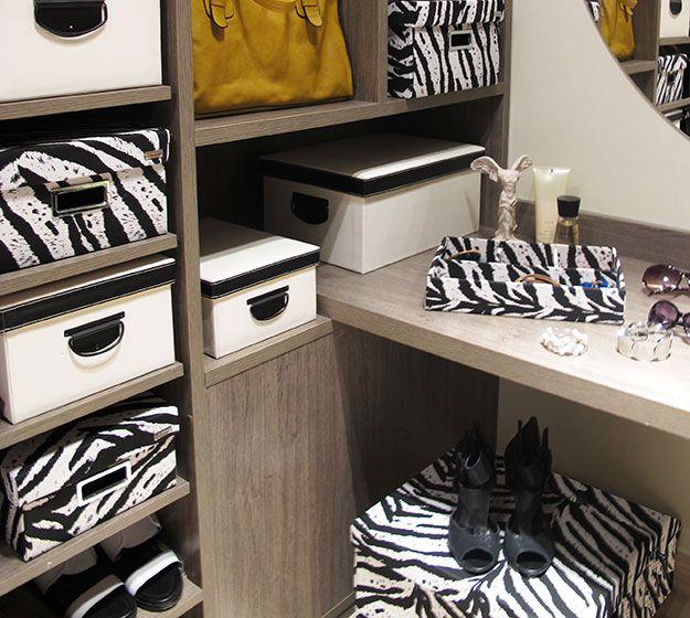 Closet organizado com caixas organizadoras Alaska e Safari Zebra Boxmania.