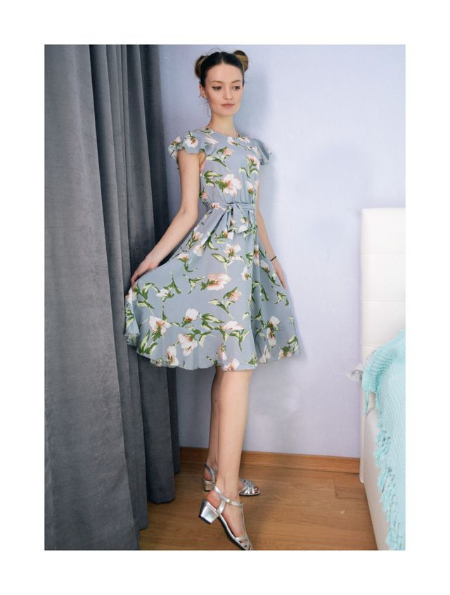 4f15c5f9eb #SHEIN #Tie Neck #Ruffle #Hem #Calico #Dress #2018 #Summer #Fit and #Flare # Short #Dress #Women #Cap Sleeve A Line #Floral #Vacation Dress
