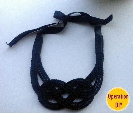 Operation DIY: Navy Necklace.
