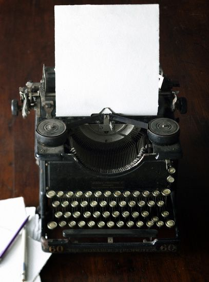 manual typewriter | collectibles + home decor #vintage