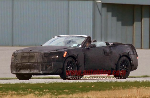 2015 Ford Mustang convertible spy shots- caught with its top down