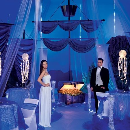Underwater Adventure Complete Theme – Plunge into an Underwater Prom adventure and find a bounty of good times under the sea.  Shop our Prom Store for Prom Ideas and Prom Supplies today!