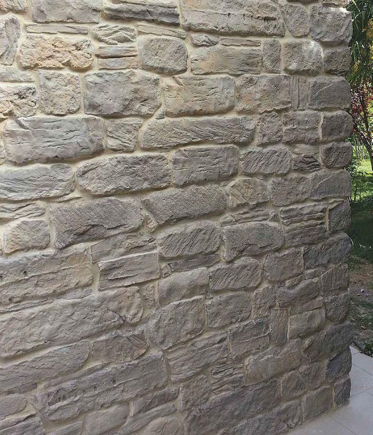 Roccia Antica - dettaglio parete.  Il #Catalogo #Rivestimenti online: http://www.pietraprimiceri.it/catalogo/catalogo-rivestimenti.html #primiceri #manufatti #pietraprimiceri