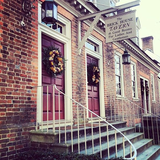 Colonial Williamsburg's Brick House Tavern at Christmas by samantha_lauren93 via Instagram. #HistoricHoliday