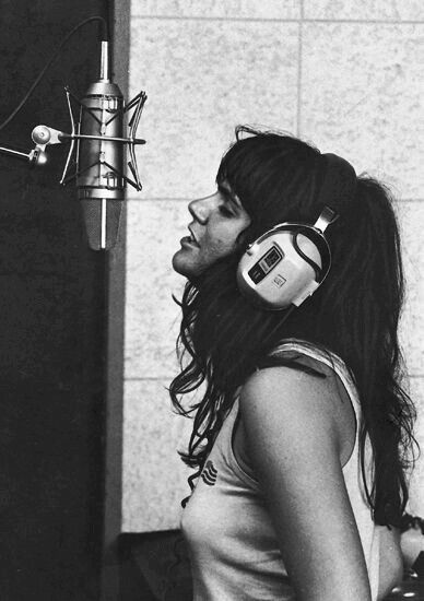 Linda Ronstadt recording at Muscle Shoals in Alabama, c. 1970.