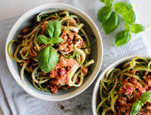 Recept voor Courgetti met tonijn-tomatensaus   It's a Food Life