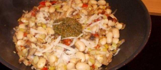 Italiaanse Wittebonen Met Pesto En Gedroogde Tomaten recept | Smulweb.nl