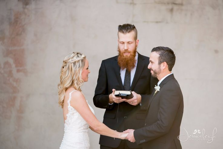 Lauren and Jared were married on March 18th, 2017 at Mackay Gardens and Lakeside Preserve in Lake Alfred, Fl. This is one of my favorite venues. I love quaint outdoor locations with lots  ...