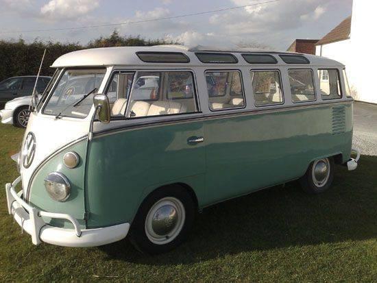 VW camper bus: Green Vw, Campers Bus, Campers Vans, Vw Campers, Vw Bus, Vw Campervan, Roads Trips, Vw Vans, Dreams Cars