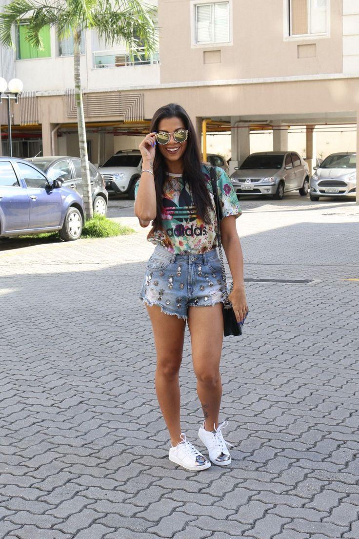tn_look_t-shirt_adidas_short_jeans_tenis_branco_evelyn_regly_7