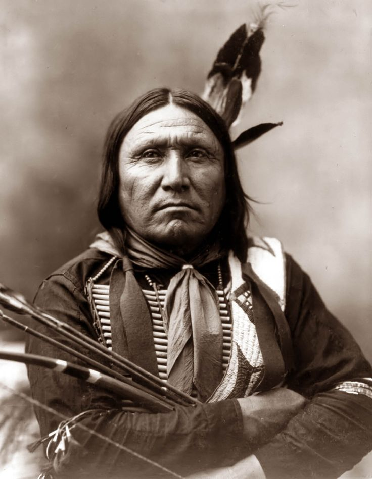 Another Pinner Wrote: Today's picture shows a Sioux Indian by the name of Bear Foot. Yes, that is Bear, not Bare. The Picture was taken in 1899. I like the fact he has his bow and arrow in the photograph. I wish it showed details on the arrow tips....nice blog, good pics,  need to find out more about this pic