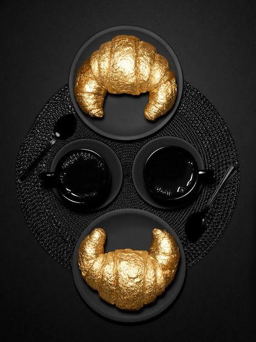 ❧ Couleur : Noir et or ❧