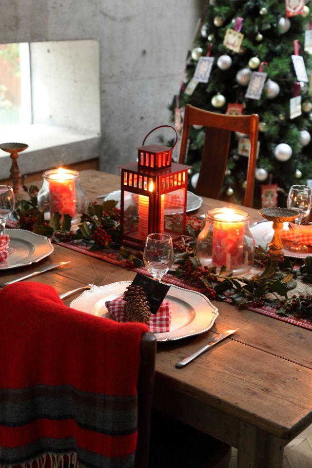 <p>フォトグラファー南都です。 クリスマスシーンは、 パーティーのテーブルの後ろに 背景としてツリーが見えるように撮影すると ダイナミックでゴージャスな 写真になります。 イルミネーションをつけていない クリスマスツリーのも …</p>