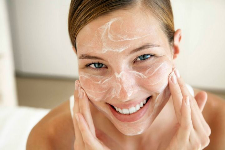 Baking soda effectively helps to exfoliate and brighten your skin helping improve your skin complexion. Here are Surprising Beauty Benefits of Baking Soda